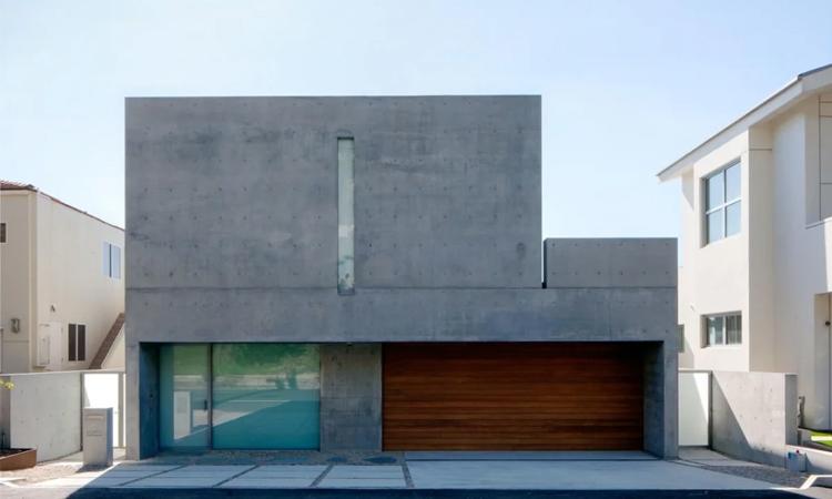 Căn hộ mới của Kanye West ở Malibu nhìn từ phía trước. Ảnh: AFP