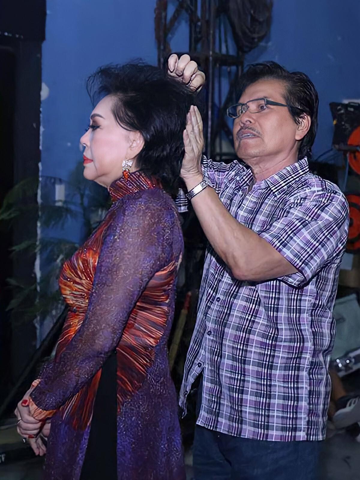 Chồng Giao Linh sát cánh cùng bà trong sự nghiệp ca hát hơn 30 năm qua. Ảnh: Jet Studio.