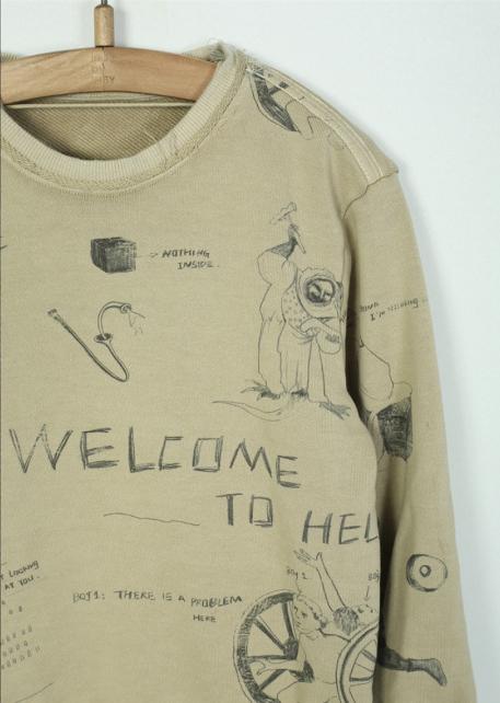 Thiết kế có dòng chữ Chào mừng đến địa ngục của jnby by JNBY. Ảnh: Sina