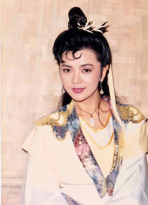 Tạo hình Trần Ngọc Liên trong Anh hùng xạ điêu do Đài Loan sản xuất năm 1988.