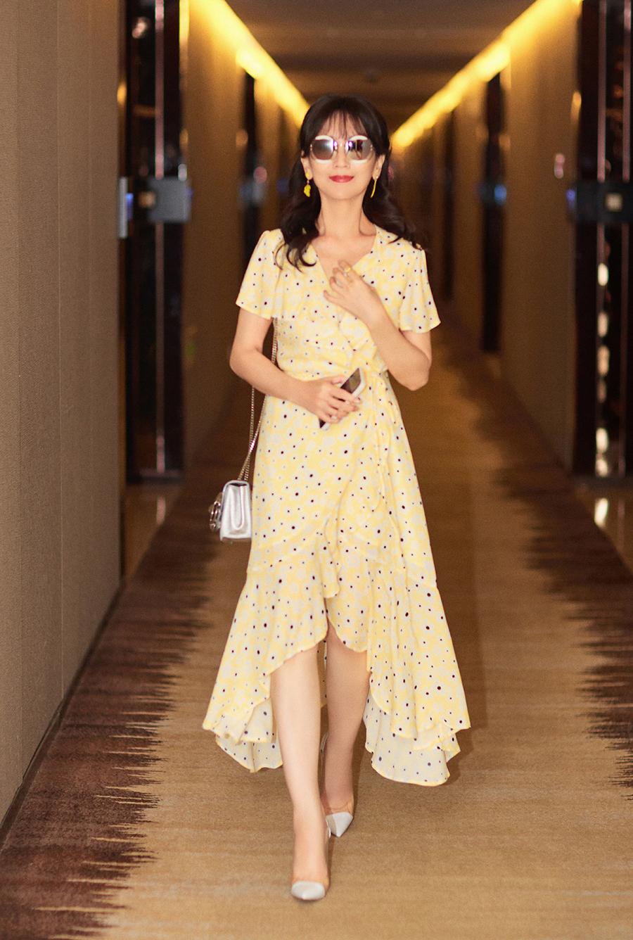 Minh tinh Bến Thượng Hải mặc tôn dáng tuổi 67 - 5