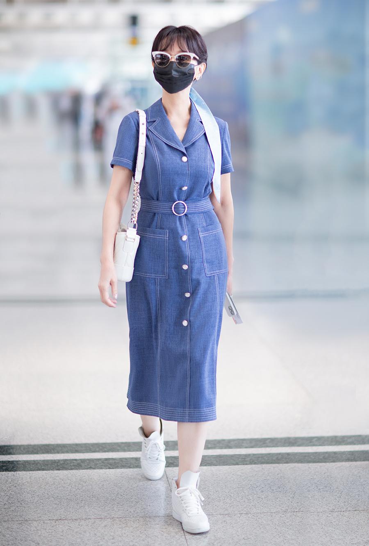 Minh tinh Bến Thượng Hải mặc tôn dáng tuổi 67 - 9