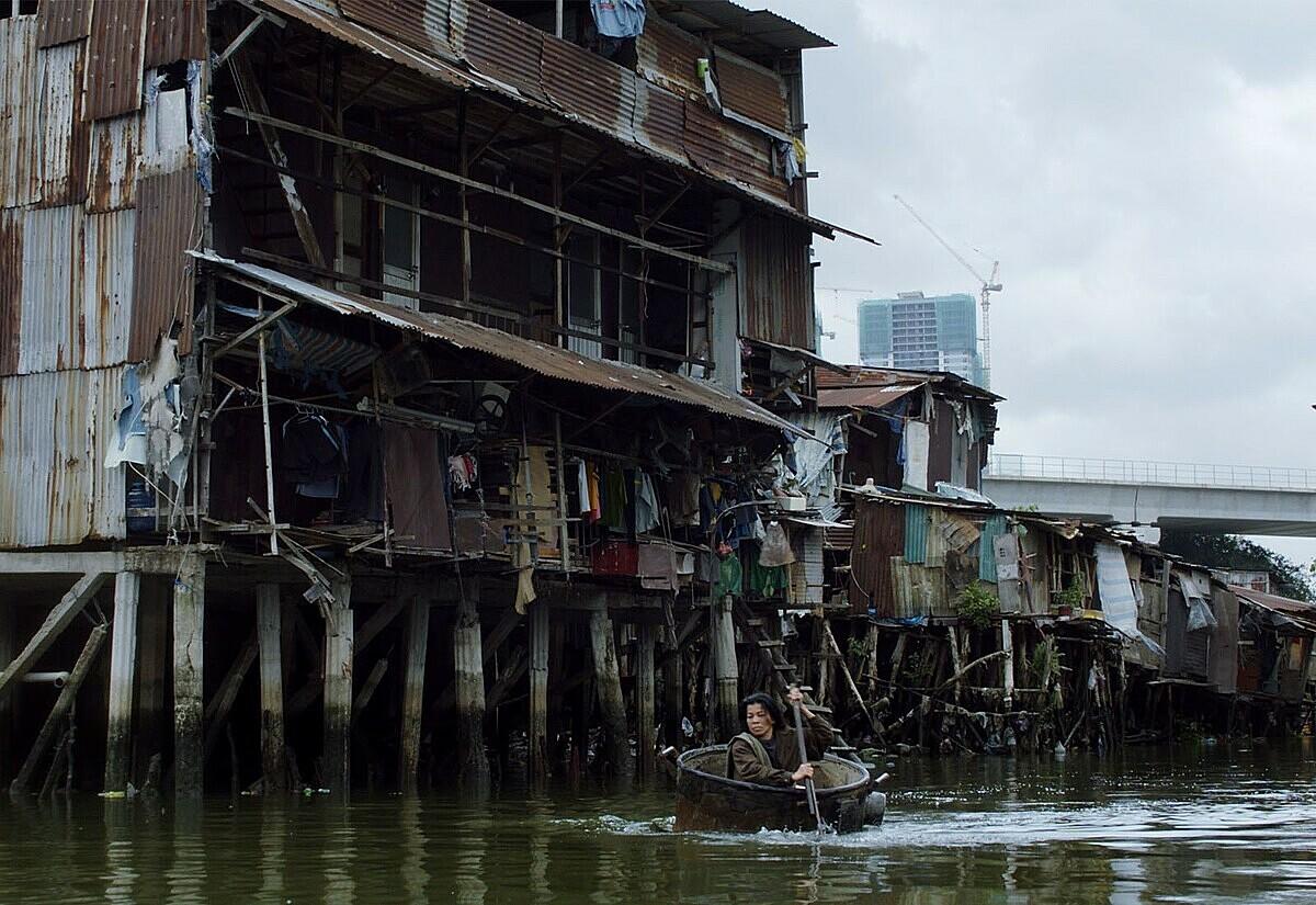 Phim lấy bối cảnh chính ở các khu xóm nghèo giữa lòng Sài Gòn. Ảnh: Berlinale