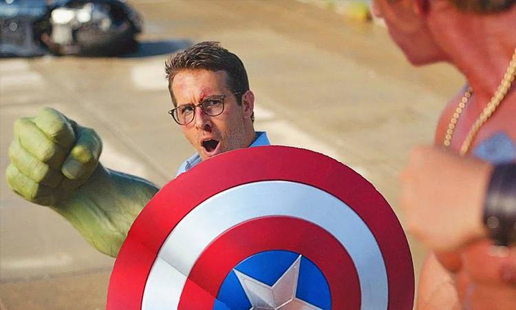 Một cảnh trong Free Guy lấy cảm hứng từ vũ trụ điện ảnh Marvel. Ảnh: 20th Century Studios