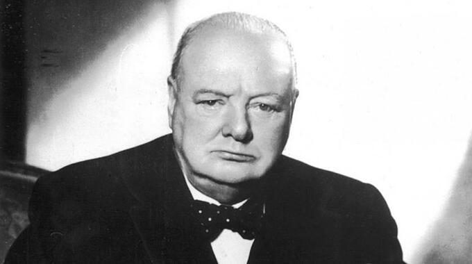 Thủ tướng Winston Churchill (1874-1965) nhận Nobel Văn học năm 1953. Ảnh: AFP