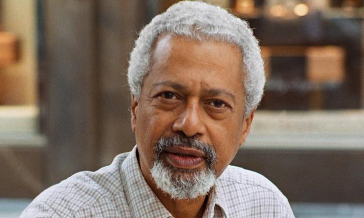 Nhà văn Abdulrazak Gurnah sinh năm 1948 ở vùng Zanzibar, Tanzania, nhập cư vào Anh năm 1968. Ông từng giảng dạy ở Đại học Kent (Anh). Ảnh: Alamy Stock Photo