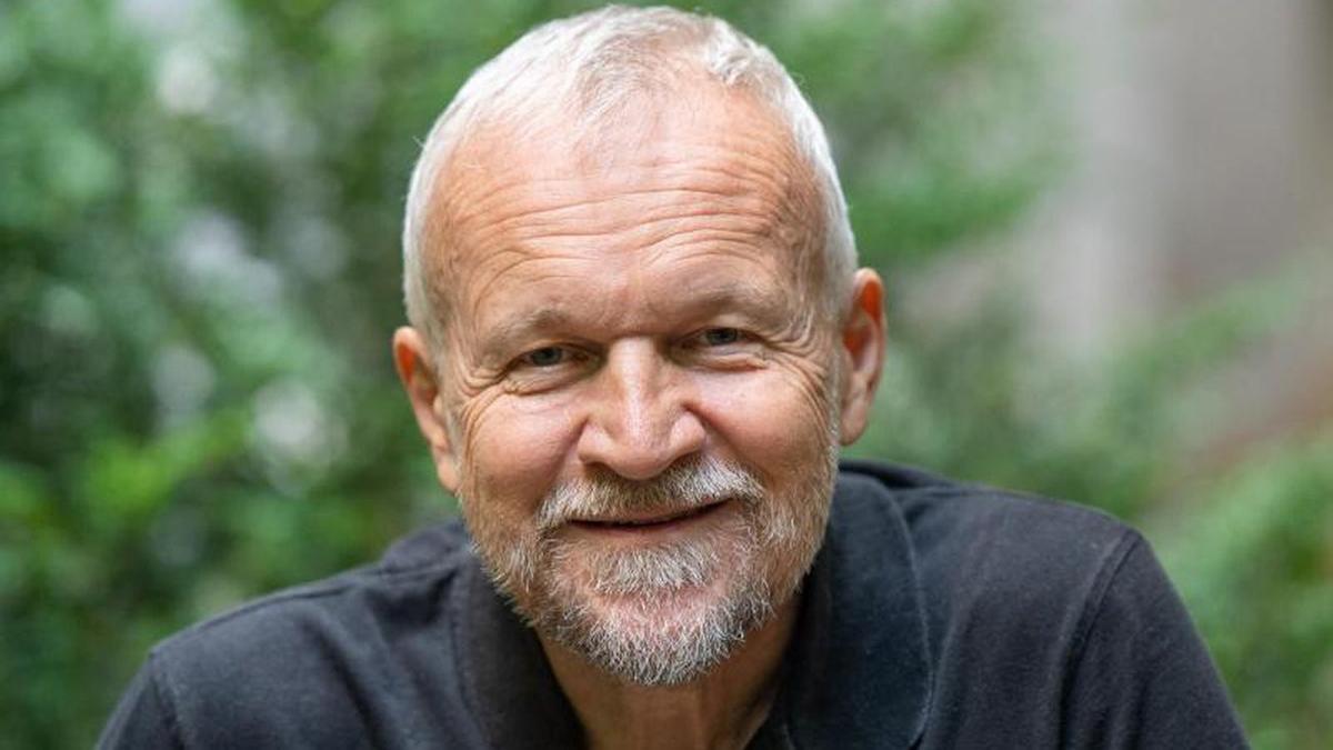 Nhà văn Milan Kundera sinh năm 1929. Tác phẩm The Unbearable Lightness of Being của ông được chuyển thể thành phim năm 1988. Ảnh: Tellerreport.