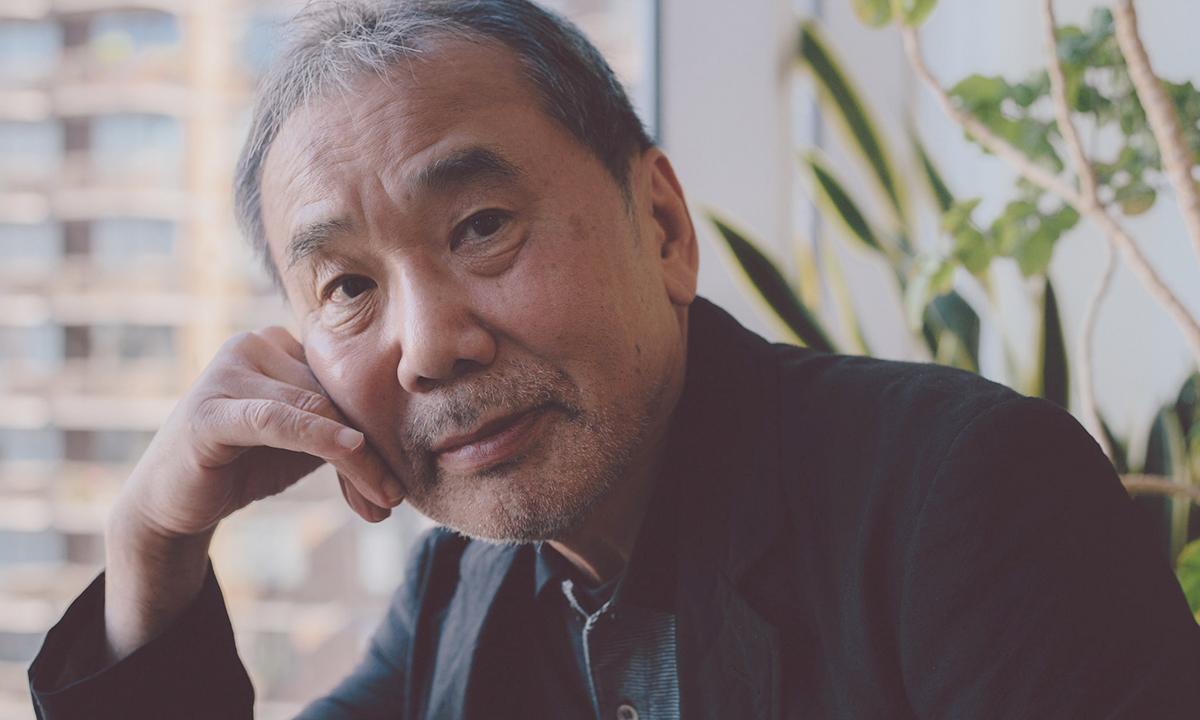 Murakami sinh năm 1949, nổi tiếng với các tác phẩm Rừng Na Uy, Biên niên ký chim vặn dây cót, Kafka bên bờ biển... Ảnh: NY Times