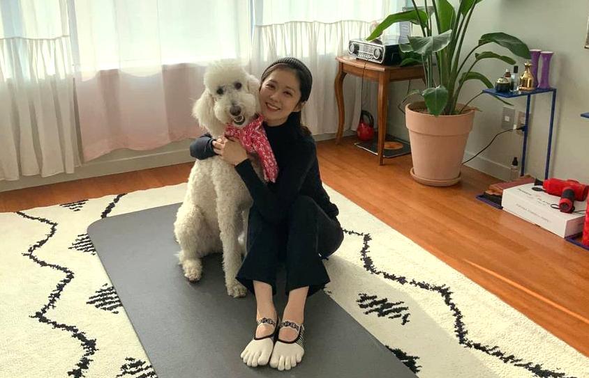 Jang Nara tận hưởng cuộc sống độc thân cùng cún cưng. Ảnh: Instagram Jang Nara