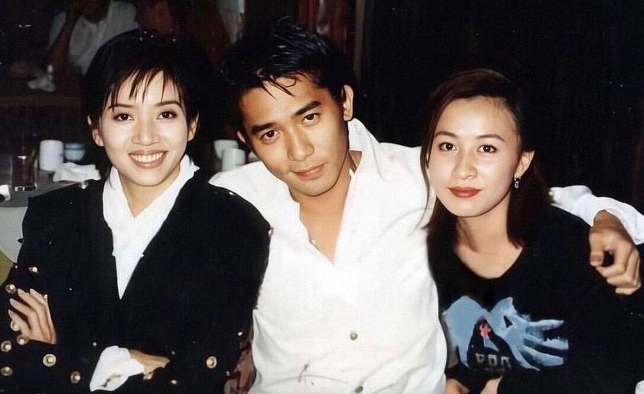 Lương Triều Vỹ bên Mai Diễm Phương (phải) và Lưu Gia Linh. Ảnh: Instagram/Tony Leung