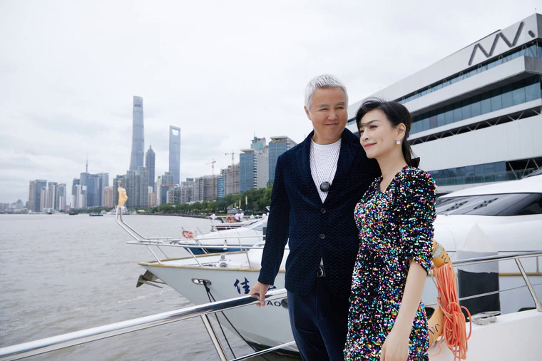 Vợ chồng Trương Đình tại sự kiện hôm 12/10. Ảnh: Appledaily