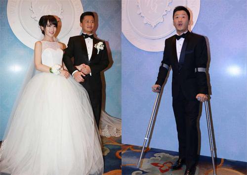 Ngô Kinh và vợ ngày cưới. Họ có hai con trai, bé đầu bảy tuổi, bé út ba tuổi. Ảnh: Sina
